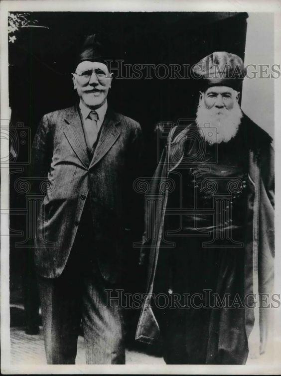 http://www.ebay.ca/itm/1935-Press-Photo-The-leader-of-the-Greek-Insurrectionist-Eleutherios-Venizelos-/371208610741?hash=item566dc1e3b5