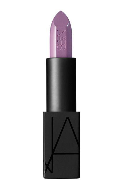 The Surprisingly Flattering Beauty Trend  #refinery29  http://www.refinery29.com/purple-lips#slide10