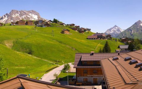 http://www.goldenerberg.at/arlberg-lech-urlaub.html Genießen Sie die atemberaubende Berglandschaft
