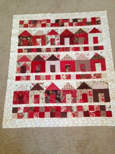 Cute Little House Quilt in Red, White & Creams xxx: