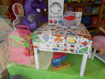 Colour-in tablecloth window display