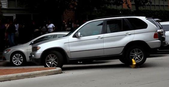 Se lleva su BMW X5, pese a que le han puesto un cepo (con vídeo) - http://www.actualidadmotor.com/2014/12/19/se-lleva-su-bmw-x5-pese-que-le-han-puesto-un-cepo-con-video/