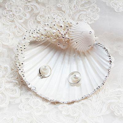 [€ 43.08] Schöne/Muschel Ring Kissen mit Perle (103071690)