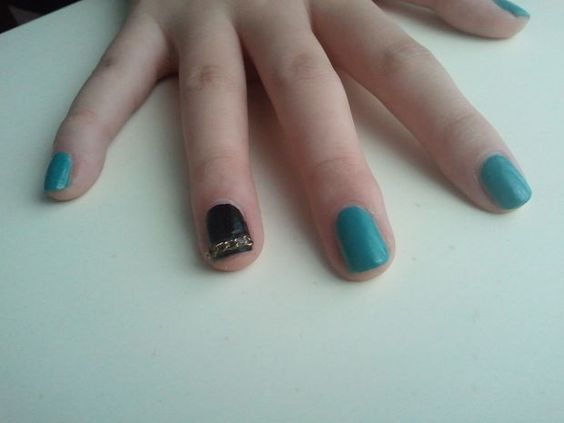 Picture of Chain Nails