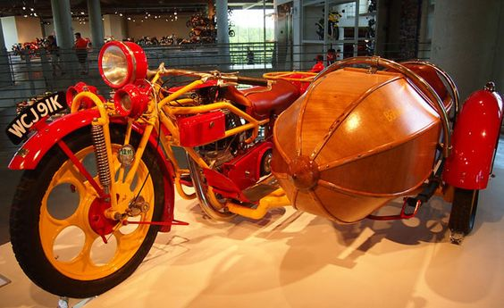 Image from http://blog.motorcycle.com/wp-content/uploads/2014/04/Barber-Museum-1925-Bohmerland.jpg.