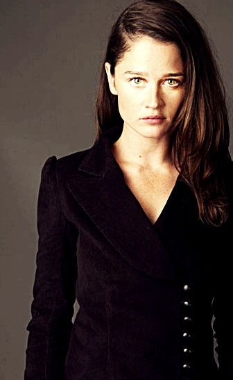 Robin Tunney (Senior Special Agent Teresa Lisbon in The Mentalist)
