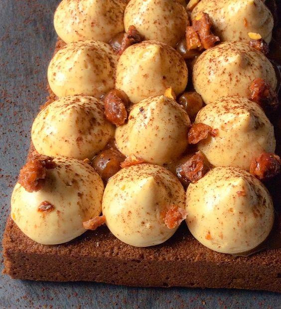 snickers chocolat caramel cacahuètes crème dessert cake