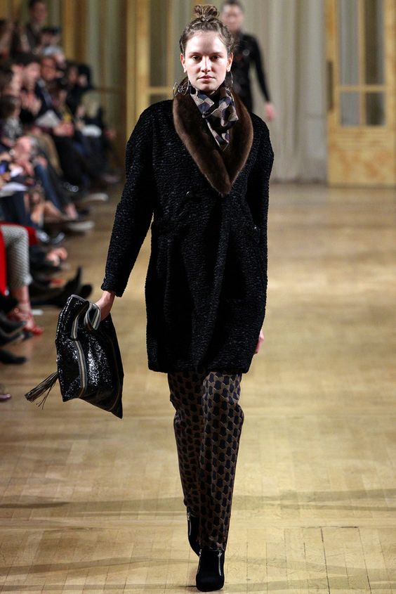 Alexis Mabille Fall 2012 Ready-to-Wear Collection Photos - Vogue