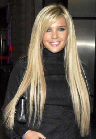 Gorgeous hair! Love the long and blonde!