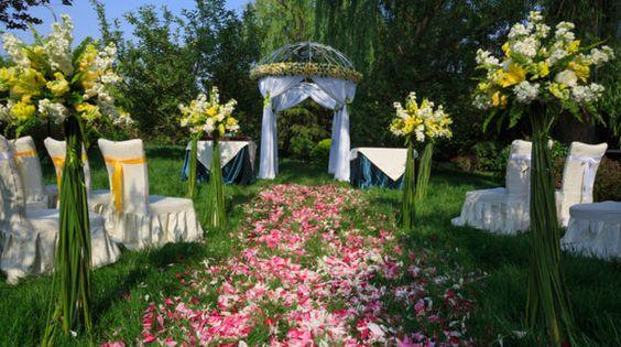 Hochzeitsfeier im eigenen Garten