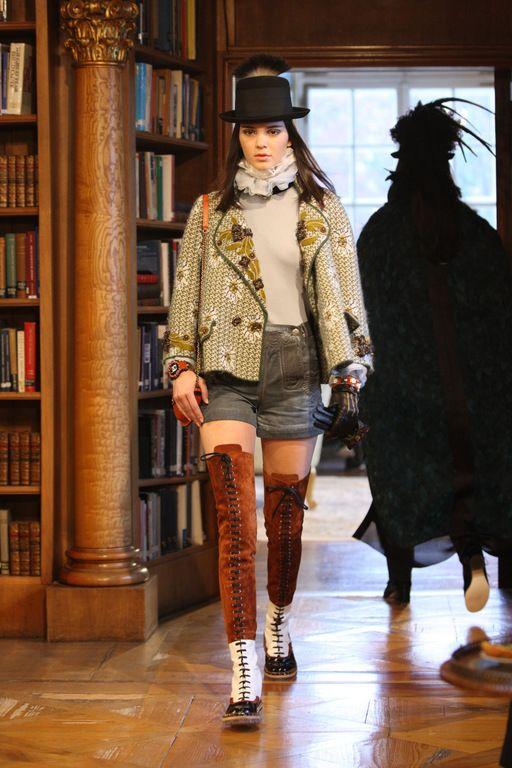 Chanel Métiers d'art 2015 #ChanelMetiersd'art #ChanelParisSalzburg Visit espritdegabrielle.com | L'héritage de Coco Chanel #espritdegabrielle