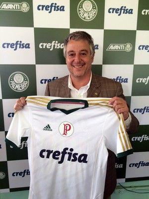 """Palmeiras pode """"fechar"""" camisa com novo patrocinador após o carnaval #globoesporte"""