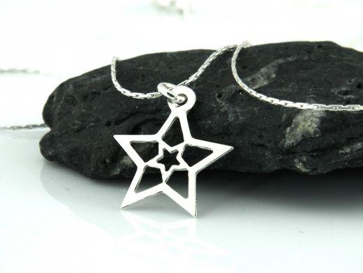 Srebrny naszyjnik z gwiazdą