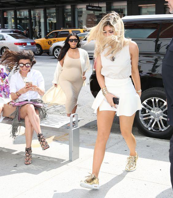 Sophia Alckmin rouba a cena em foto com Kylie Jenner e Kim Kardashian