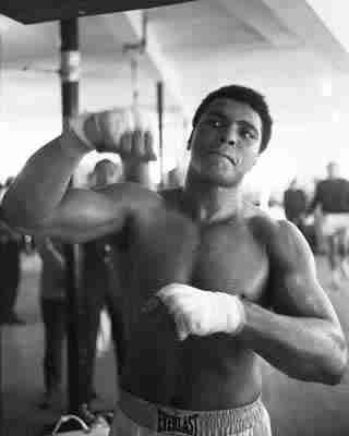 Google Image Result for http://blog.betdsi.com/wp-content/uploads/2011/12/MUHAMMAD_ALI.jpg