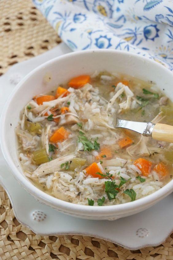 Slow Cooker Chicken Soup http://ridgelysradar.com/2016/01/slowcooker-chicken-soup.html #chickensoup #slowcooker @RidgelysRadar