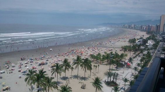 Banhistas na Praia / jahsaude