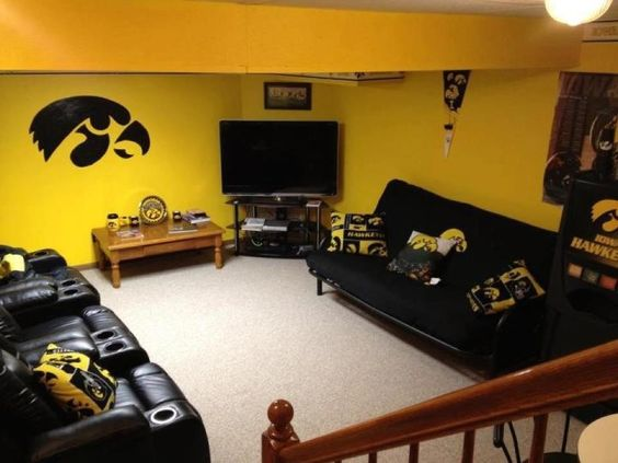 Theater football and watch football on pinterest for Iowa hawkeye decor