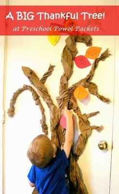 A Big Thankful Tree! #Thanksgiving #preschoolactivities