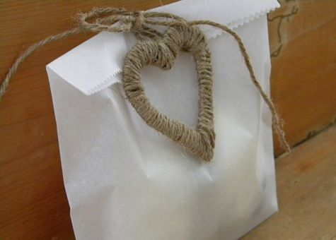 how to make parchment bags .... visit her blog, it's great!