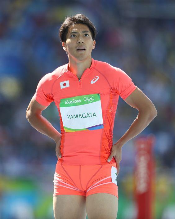 リオデジャネイロ五輪の陸上男子100メートルの予選のレース後、記録を確認する山県亮太。10秒20で8組2位となり、準決勝に進んだ。(2016年08月13日) 【時事通信社】 #陸上 #山縣亮太 #リオ五輪