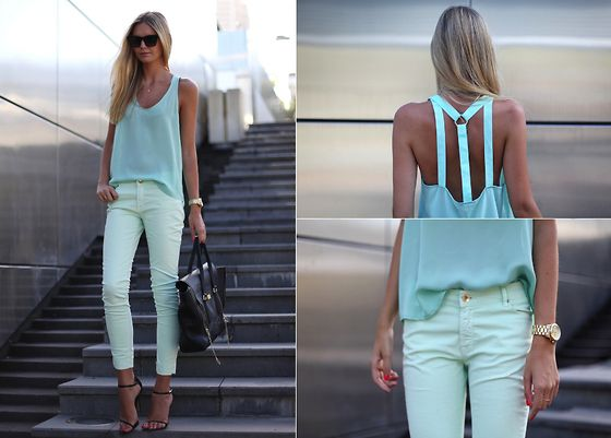 mint colored top. yum!