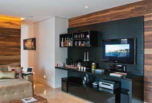 Sala De Tv Com Barzinho ~ No painel onde fica a TV também fica o bar  Móveis para Tv