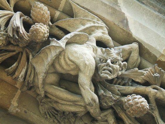 El Demonio en la Catedral de Vitoria