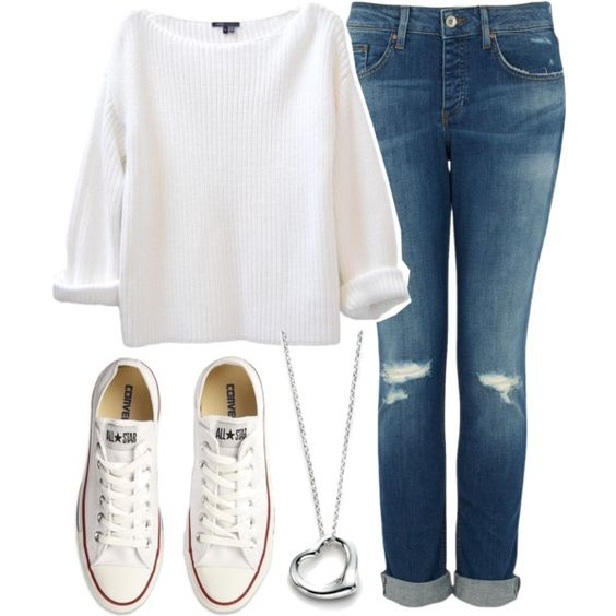 jean + pull large Blanc + converses bases rose ou blanche