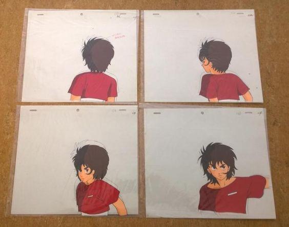 kaufe gleich 4 seltene Cels zu dem Anime Saber Rider and The StarsherrifsMotiv:Fireball-(Szene mit 4 Cels)Grösse Cel ca. 23x27 CMDie Cels haben hinter noch die Bleistiftskizzen dran,sie sind fest an den Cels,man kann sie mit etwas mühe lösen aber meisst gehen dadurch die Papierskizzen kapputt.Dafür kann man dann die Cels auf andere schöne Hintergründe legen da sie ja Durchsichtig sind!!!Die Cels haben die nummerirungen C1,C2,C3