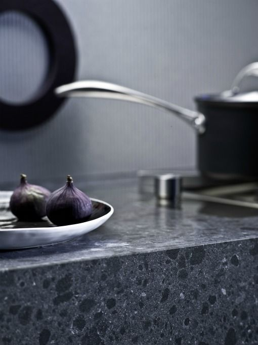 Not sure whether to go for granite or quartz? Here are seven quick tips to help you choose which is best for you. 1. Colour Granite has a natural beauty and a combination of hues that gives it a harmonious… Honed more prone to stains