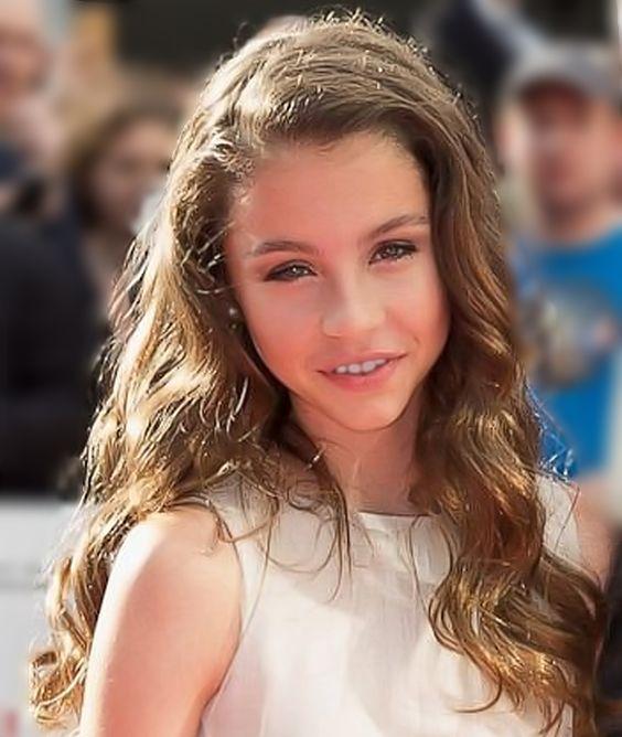 Carys Douglas - Michae... Catherine Zeta Jones Daughter