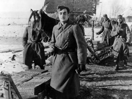 AMMUNITIONS SUPPLY The Spanish volunteers of the 'Blue Division' carrying ammunitions on a sledge. Stalingrad, November 1942. akg-images