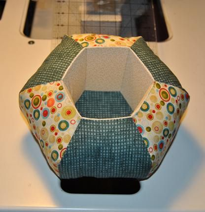 Lola Cendán: Penny S Hexie, Hexie Caddy, Pin Cushions, Caddy Parade, Quilts Hexagons, Pin Keepers, Lola Cendán, Hexagon Caddy