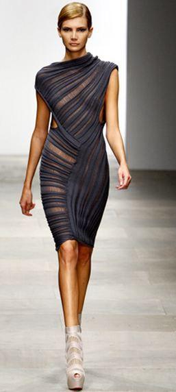 Todd Lynn | Amazing dress!