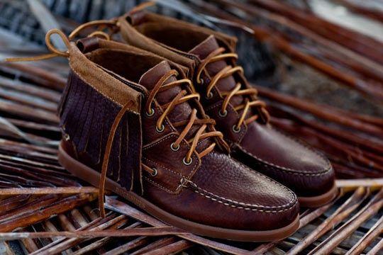 Men's fashion forward shoes