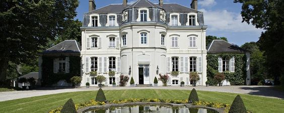 Chateau Clery in Hesdin-l'Abbé, France. WOW.