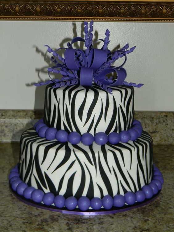 Purple Zebra Cake Design : 20 Purple zebra print cake ideas... My wedding cake Ayye ...