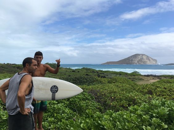 People marvel at surf after Hawaii hurricane watch canceled