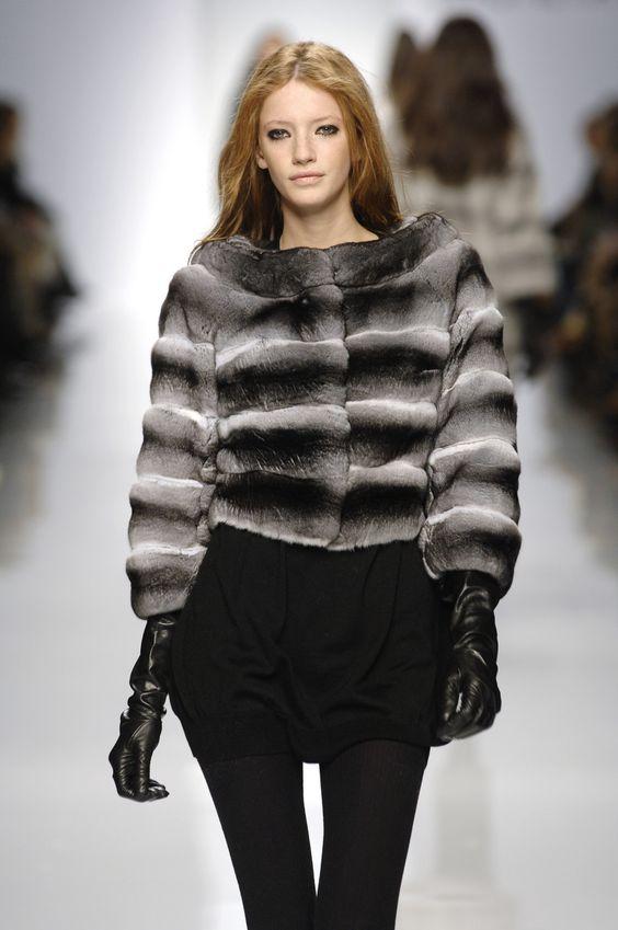 Simonetta Ravizza at Milan Fashion Week Fall 2007 - Runway Photos