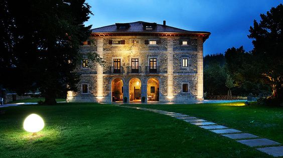 Hotel Iriarte Jauregia en Bidegoian España | Splendia - http://pinterest.com/splendia/