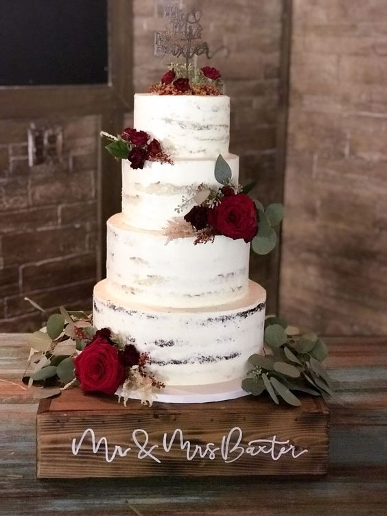 65 Awesome Fall Wedding Cake Ideas Rustic Wedding Cake With Burgundy Ranunculus Florwers And Gr Wedding Cake Rustic Christmas Wedding Cakes Wedding Cake Red