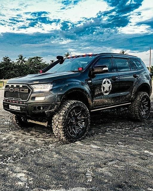 Modified Ford Endeavour Gets 7 Inch Lift Kit Looks Badass Ford Endeavour Endeavor Car Lift Kits