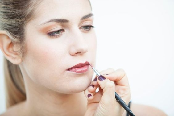 Traço de batom pode mudar radicalmente o formato da boca; veja 4 exemplos - Beleza - UOL Mulher