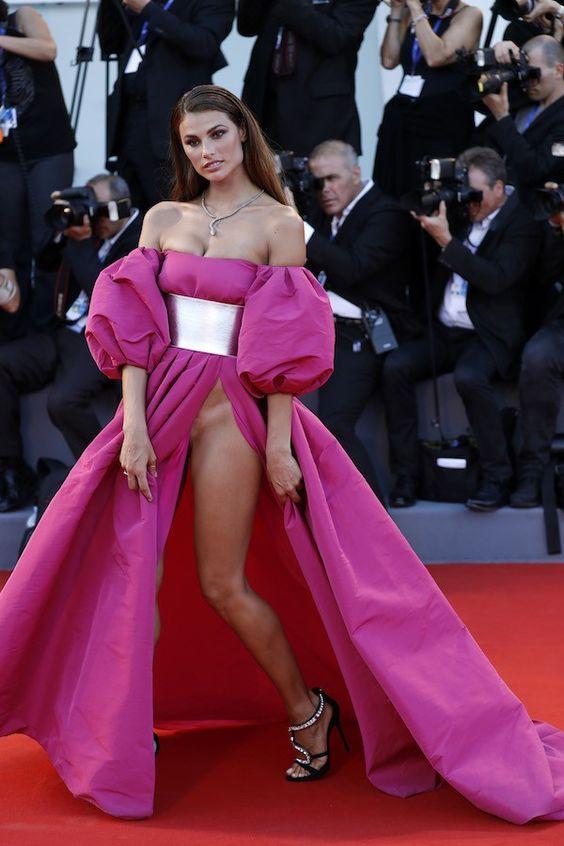 Falta pano aí! Gemma Arterton, brasileira e italiana deixam o Festival de Veneza…