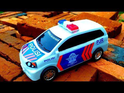 Mencari Mobil Polisi Mobil Balap Truk Gandeng Truk Tangki Excavator Doser Youtube Mobil Balap Mobil Polisi Mobil