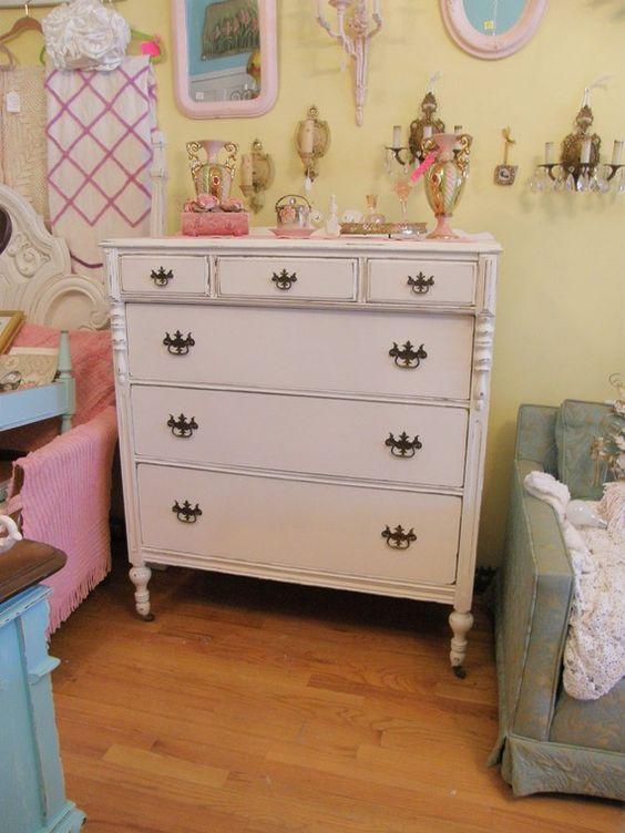 Distressed Vintage Bedroom Inspiration: Antique Chic Dresser Shabby White Distressed Cottage