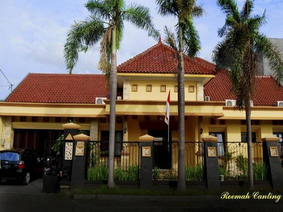 Yogyakarta Roemah Canting Yogyakarta Homestay Indonesia, Asia Ideally located in the prime touristic area of Kota Baru, Roemah Canting Yogyakarta Homestay promises a relaxing and wonderful visit. The hotel offers a high standard of service and amenities to suit the individual needs of all travelers. To be found at the hotel are free Wi-Fi in all rooms, daily housekeeping, 24-hour front desk, 24-hour room service, luggage storage. All rooms are designed and decorated to make gu...