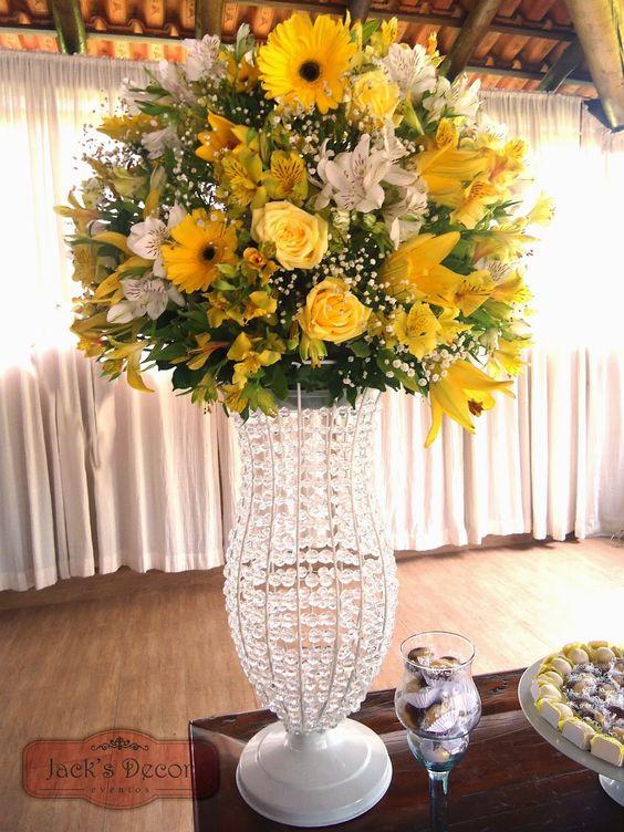 Arranjo alto da mesa do bolo em vaso de cristais arranjos de flores pinterest mesas e ems - Vasos grandes cristal ...