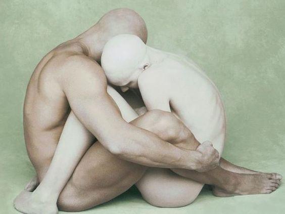 La teoría de que la homofobia no es más que deseo sexual reprimido es muy…